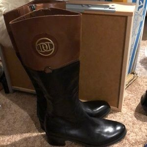 BEAUTIFUL ETIENNE AIGNER LEATHER TALL RIDING BOOTS